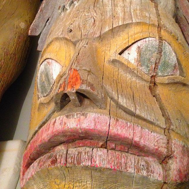 The totem pole returned to the Tlingit people by the Honolulu Museum of Art (photo by @honolulumuseum/Instagram)