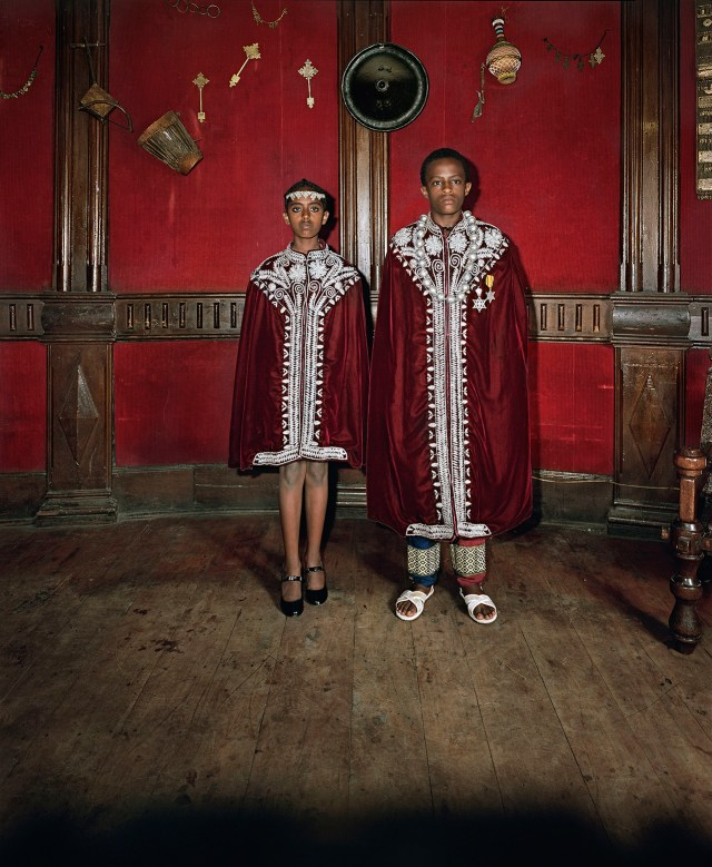 "Deana Lawson, ""Kingdom Come, Addis Ababa, Ethiopia"" (2014) (© Deana Lawson, courtesy Rhona Hoffman Gallery, Chicago)"