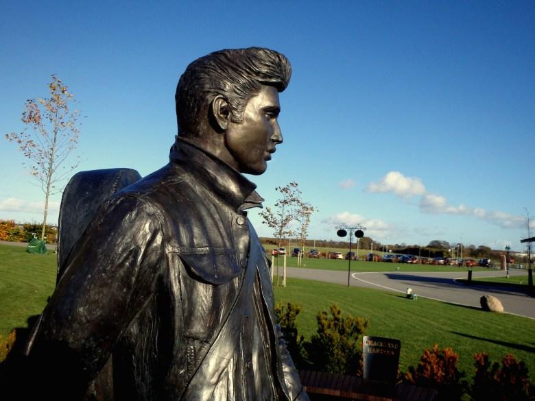 "A statue of Elvis Presley outside Memphis Mansion (formerly Graceland Randers) in Randers, Denmark (photo by <a href=""https://flic.kr/p/A5zecP"" srcset="