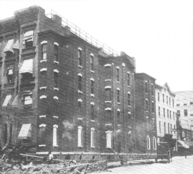 The Richardson Spite House demolished in 1915, which once stood at Lexington Avenue and 82nd Street (1915) (via Wikimedia)