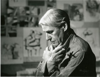 Willem de Kooning in his studio in 1961 (Smithsonian Institution Archives, via Wikimedia Commons)