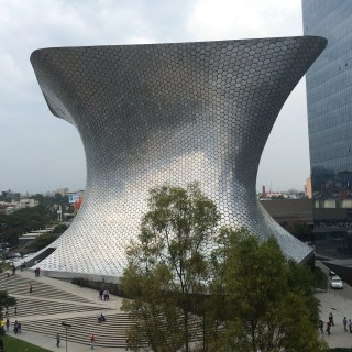Collector Carlos Slim's Museo Soumaya in Mexico City (photo by the author for Hyperallergic)