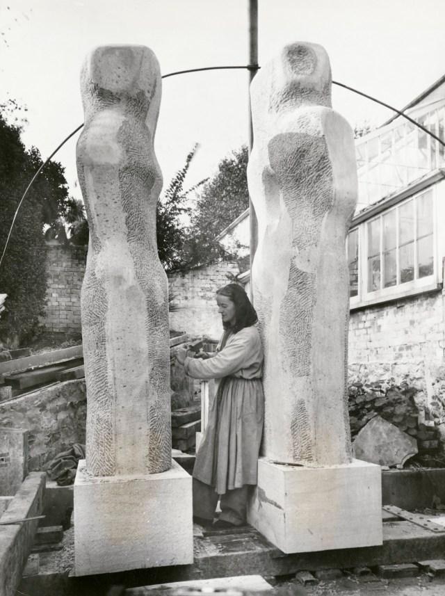 Barbara Hepworth, Contrapuntal Forms, 1951, Glebelands housing area, Harlow