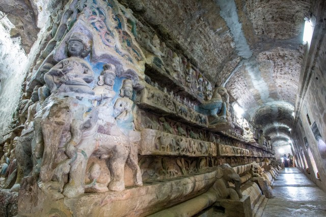 Inside one of the temples in Mrauk-U (photo by Anne Dirkse/Flickr)