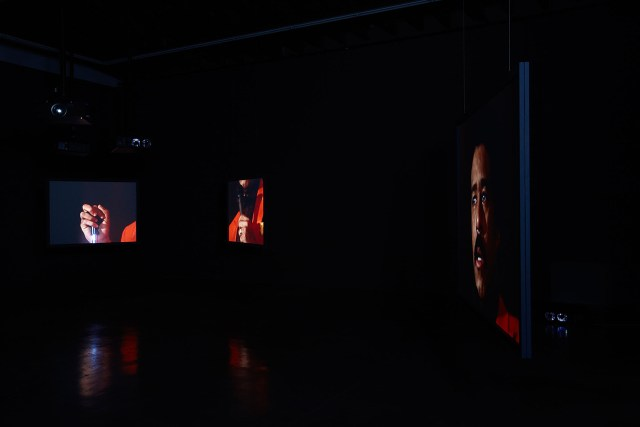 "Glenn Ligon, ""Live"" (2014), seven-channel video, 80 min, installation view in 'Glenn Ligon: We Need To Wake Up Cause That's What Time It Is,' Luhring Augustine Bushwick, Brooklyn, NY (January 16–April 17, 2016) (photo by Farzad Owrang; © Glenn Ligon; courtesy the artist, Luhring Augustine, New York, Regen Projects, Los Angeles, and Thomas Dane Gallery, London)"