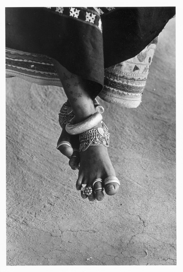 "Bhupendra Karia, ""Peasant's Foot on Cart, Bhuj"" (Kutch, 1968) (courtesy sepiaEYE)"