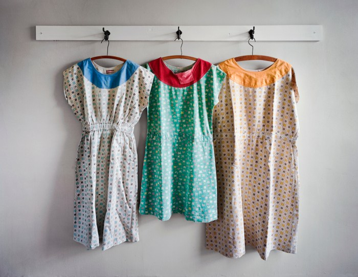 """Christopher Payne, """"Patient Dresses Made at Clarinda State Hospital, Clarinda, IA"""" (2008) (© Christopher Payne/Courtesy of Benrubi Gallery, NYC)"""