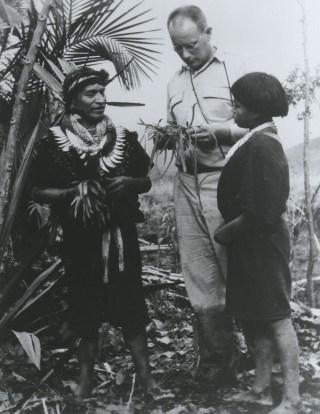 Richard Evan Schultes in the Amazon (1940) (via Harvard University Herbaria & Libraries/Wikimedia)