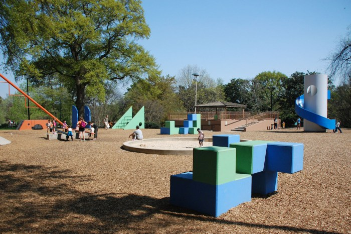 Isamu Noguchi's Playscapes in Piedmont Park, Atlanta (photo by Terren in Virginia/Flickr)