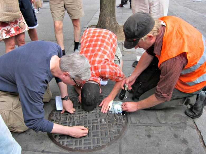 Viewing through manhole cover