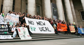 Art Not Oil and other supportive groups on the steps of the British Museum (photo by Anna Branthwaite, provided by Art Not Oil)