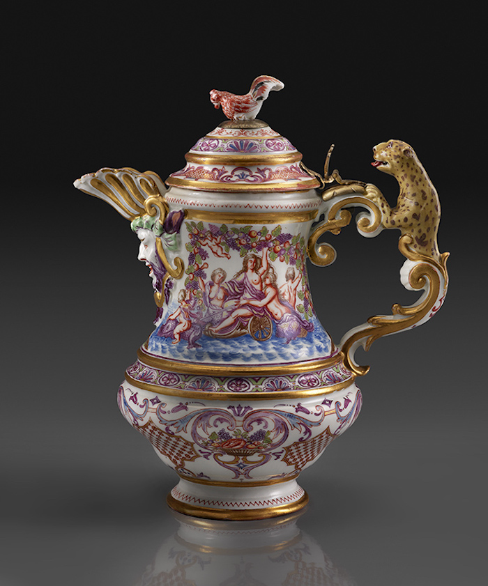Du Paquier Porcelain Manufactory, Coffeepot or Wine and Water Ewer (1725−30)