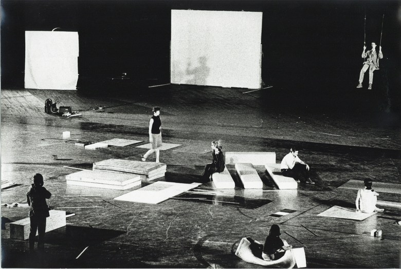 Yvonne Rainer - Carriage Discreteness. Performers following instructions from Rainer, via walkie-talkie, to move the objects around the floor. Photo Adelaide de Menil.