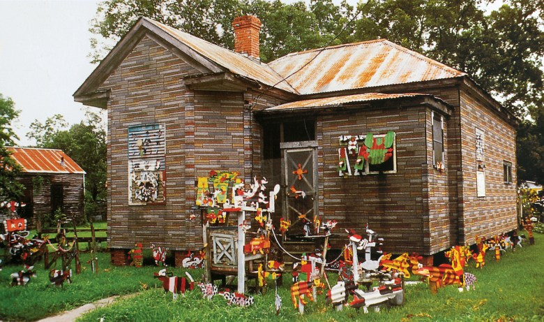 David Butler's house and yard (site view, Patterson, Louisiana) (1968–85) (photo by John Geldersma, courtesy John Michael Kohler Arts Center)