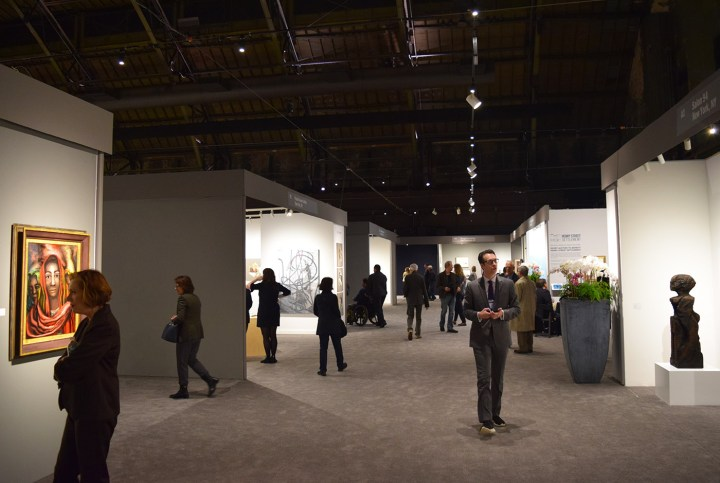 A view of the 2017 ADAA Art Show at the Park Avenue Armory (photo by the author for Hyperallergic)