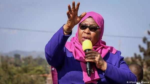 Tanzania President orders the lifting of ban on media outlets