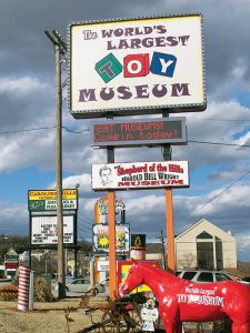 The World's Largest Toy Museum on Highway 76 contains a small collection of Harold Bell Wright memorabilia. (click to enlarge)