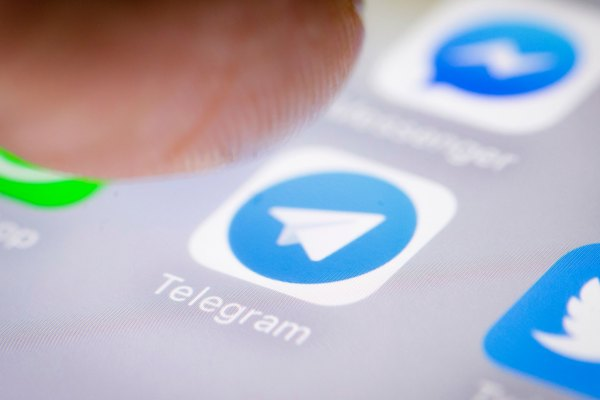 telegram to launch an ad platform as it approaches 500 million users hyperedge embed image