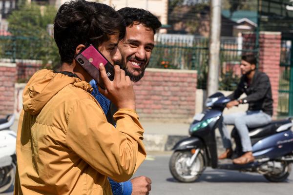 india is restoring 4g internet in jammu and kashmir after 18 months hyperedge embed image