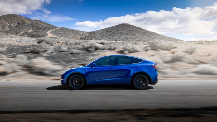 tesla has closed its forums to launch a social platform and fans are not happy hyperedge embed image