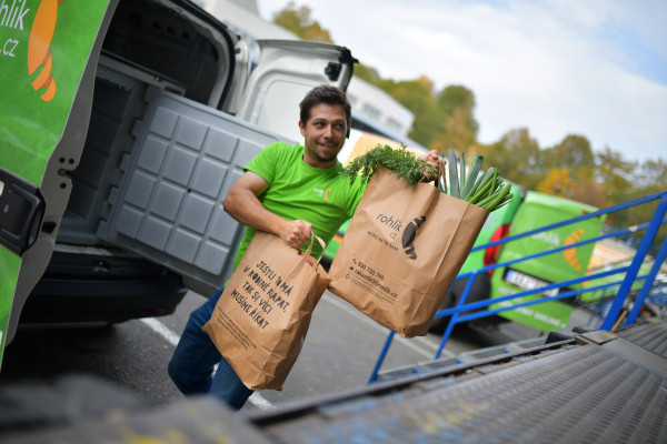 rohlik raises 119m at a 1 2b valuation to grow its 2 hour grocery delivery service in europe hyperedge embed image