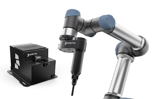 The Robotiq Screwdriving solution with a Universal Robots