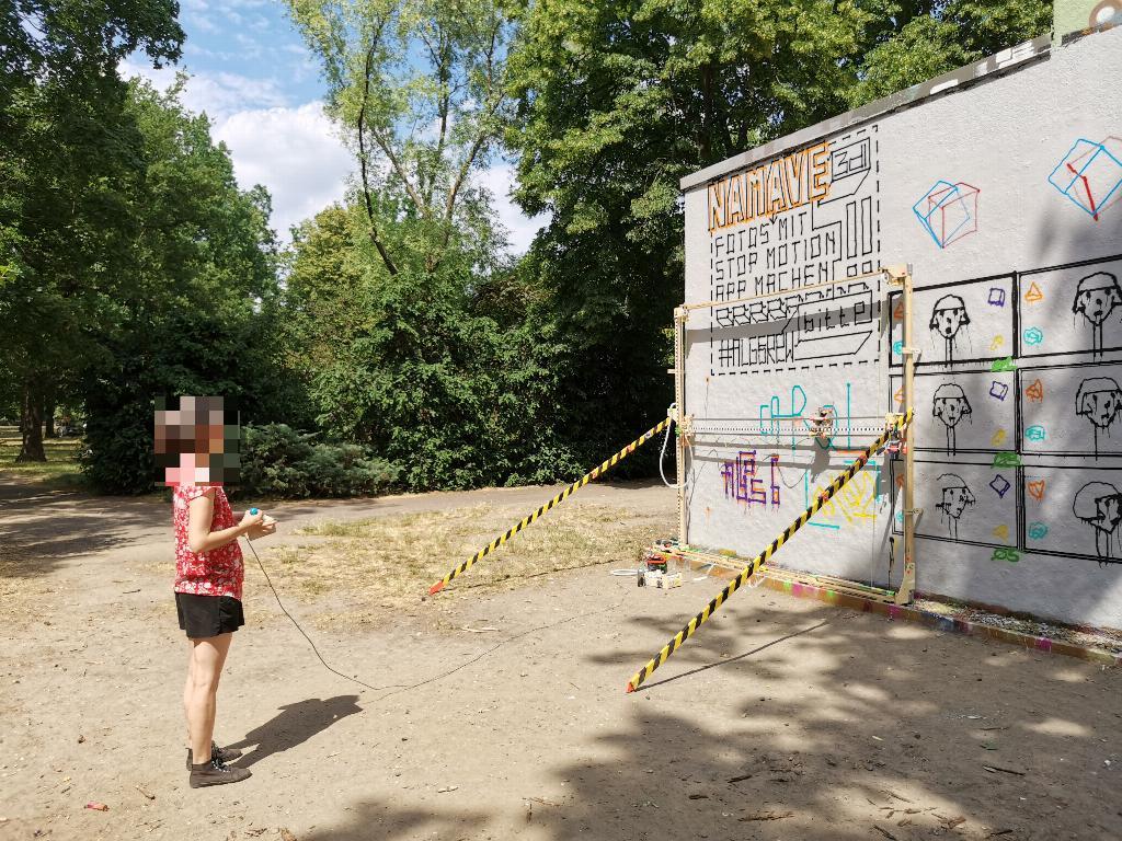 the graffomat is a giant plotter that automates graffiti art hyperedge embed