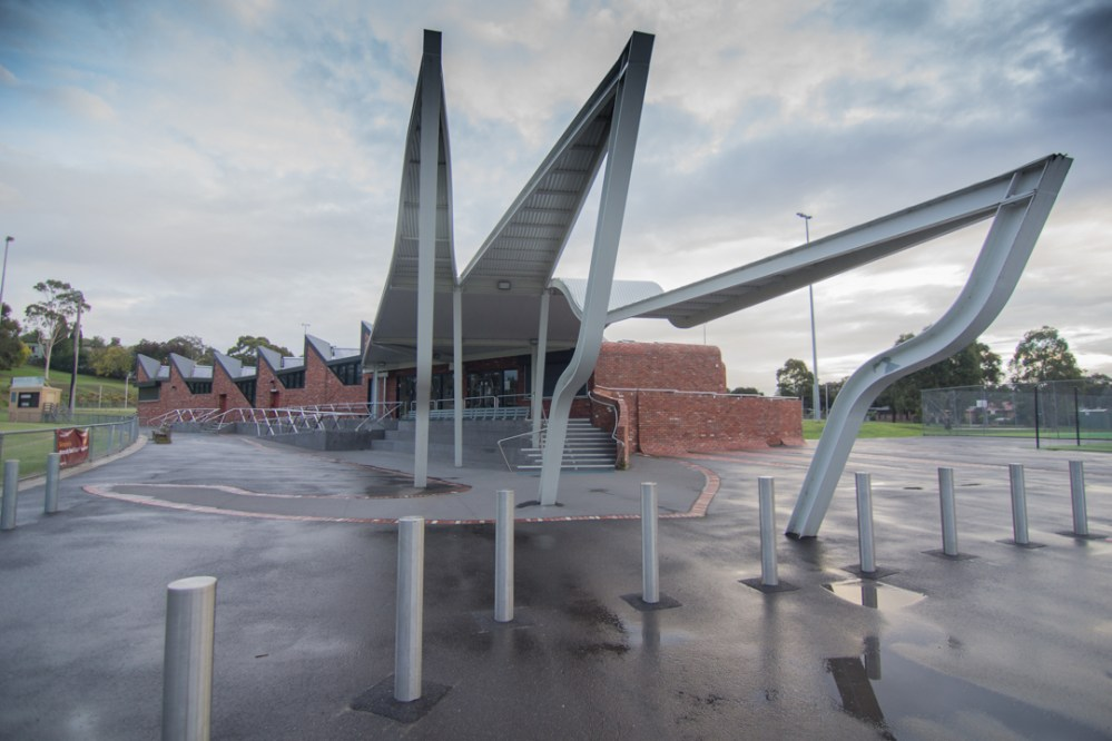 Templestowe Reserve Sporting Pavilion / Phooey Architects / Melbourne