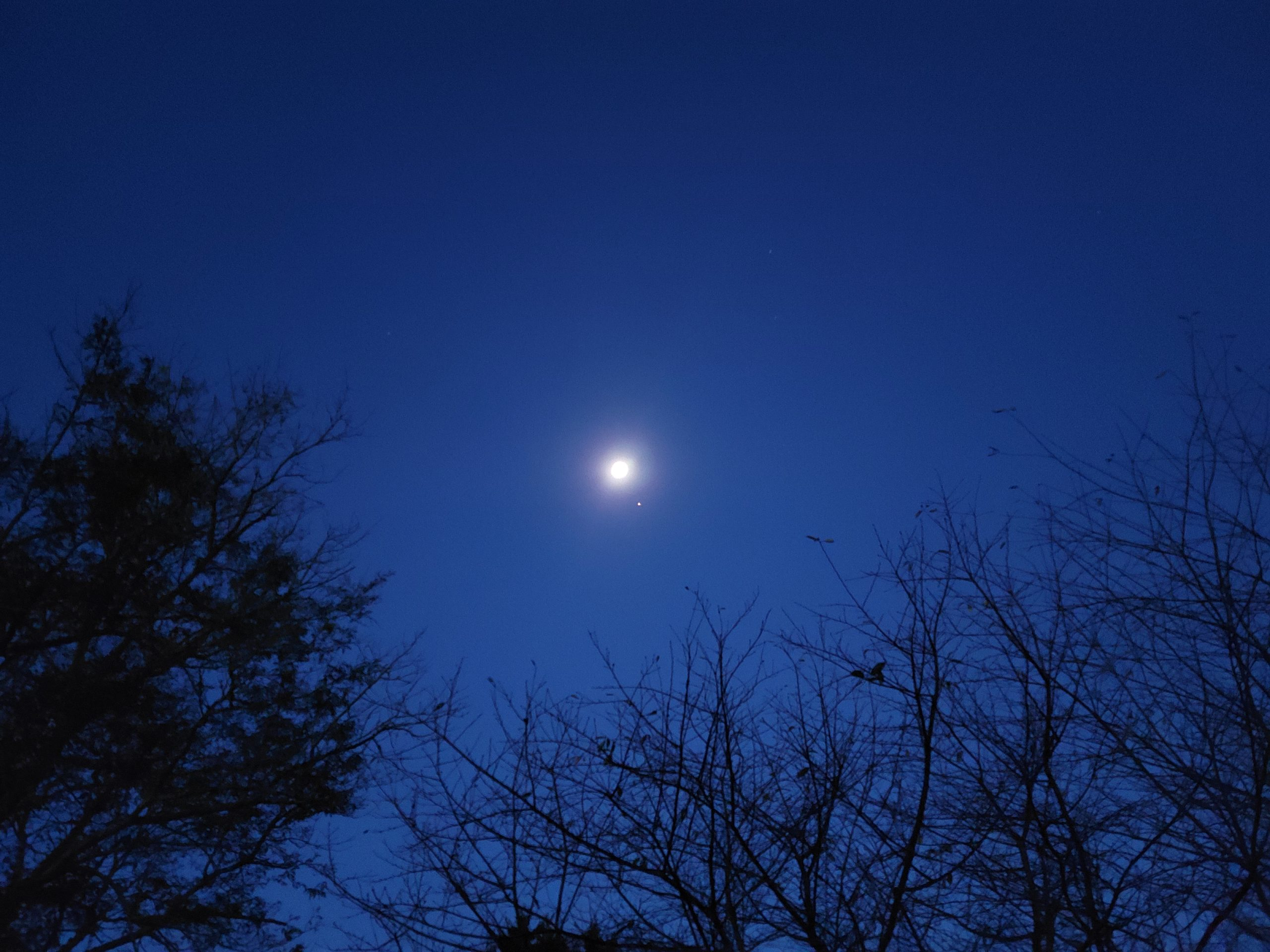 Moon & Mars 6:39am EDT