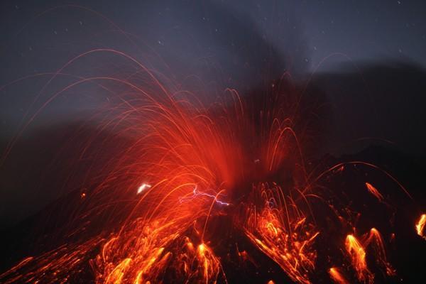 raio vulcânico