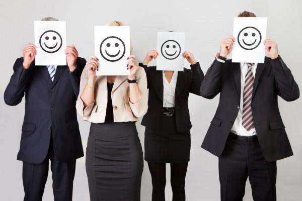 Resultado de imagem para sorriso no trabalho