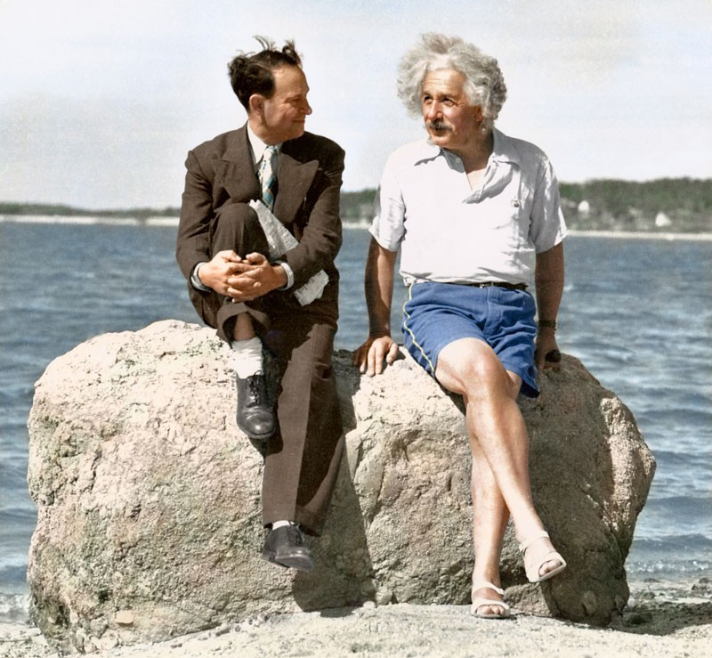 Albert Einstein em uma praia de Long Island em 1939
