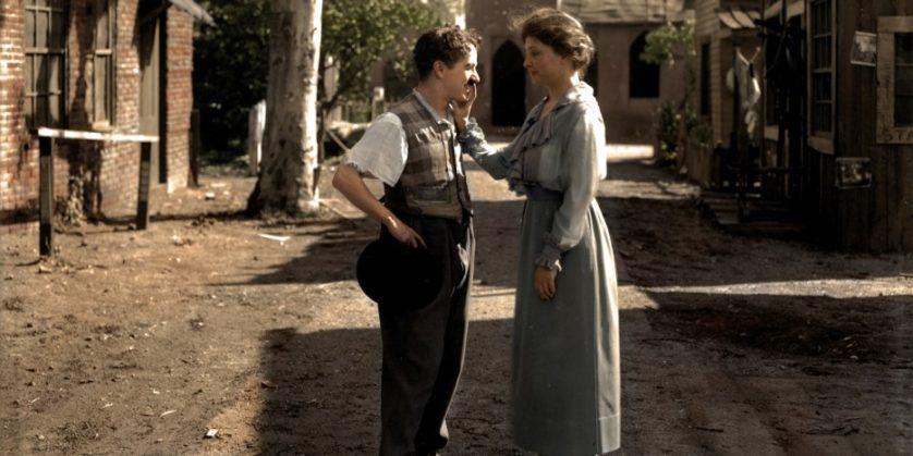 Helen Keller conhece Charlie Chaplin em 1918