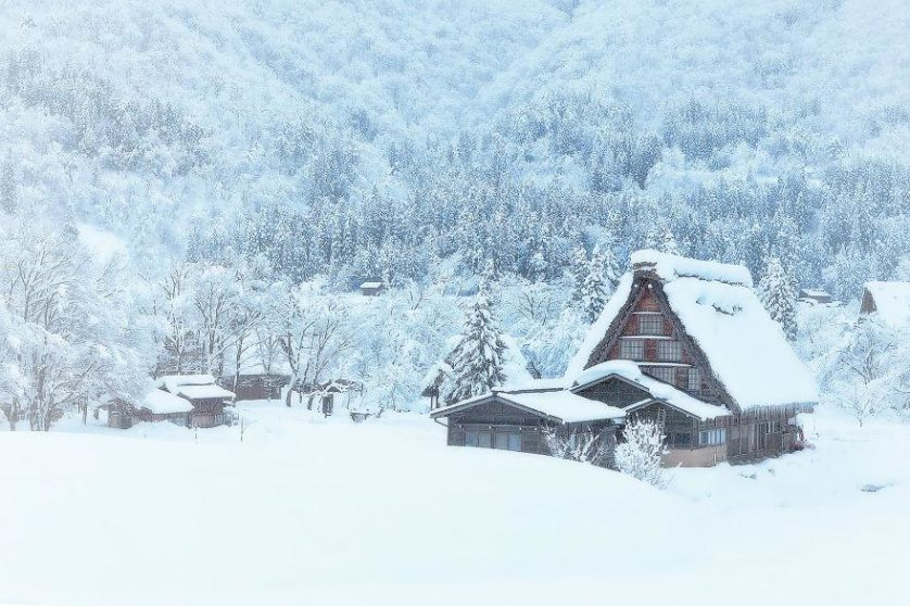 casas-solitarias-cobertas-de-neve-45