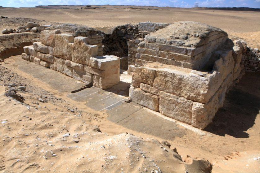 Túmulo encontrado da até então desconhecida Rainha Khentakawess III