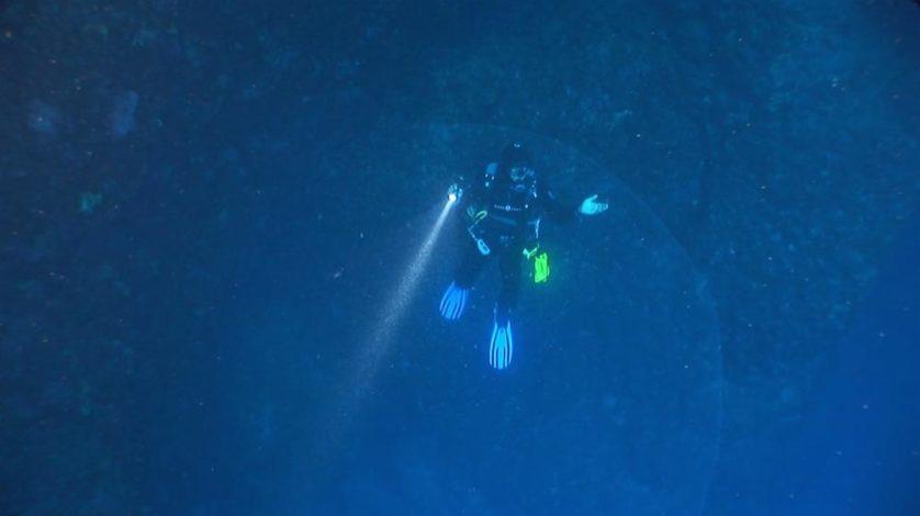 bolha gigante intriga mergulhadores