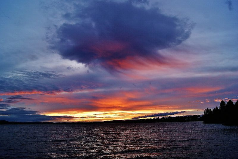 Virga no por do sol no norte da Suécia. Foto Birgit Boden