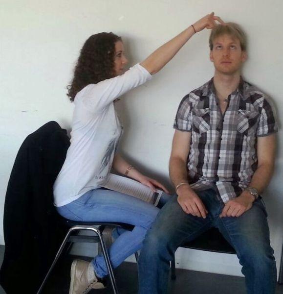Fixation hypnose frau hypnotisiert mann
