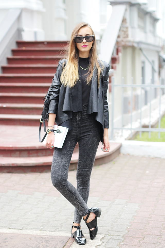 Black Outfit Blog 1
