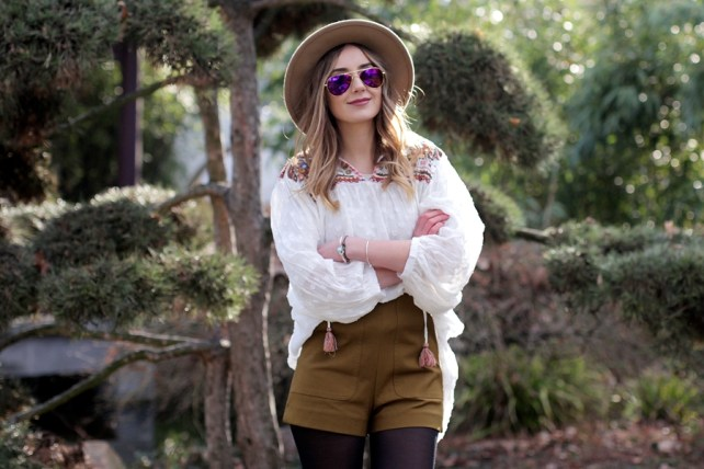 Deutscher-Modeblog-German-Fashion-Blog-Outfit-Boho-Look-Bluse-Shorts-8