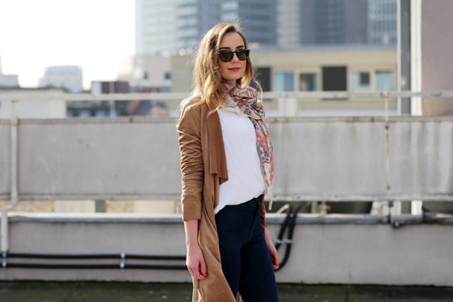 Deutscher-Modeblog-German-Fashion-Blog-Outfit-brauner-Mantel-Schal-5