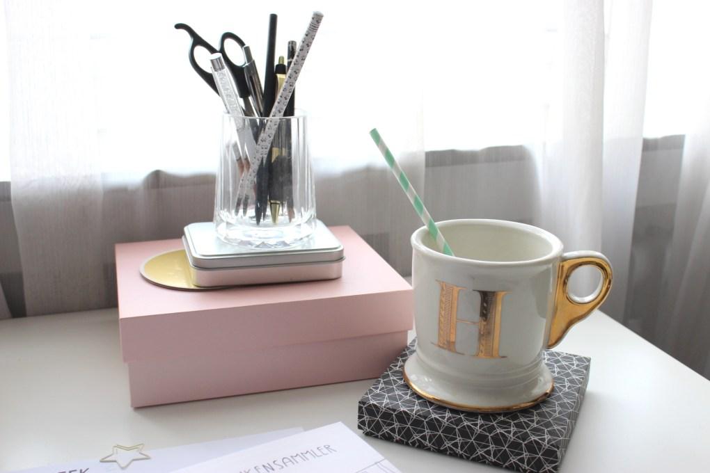kaffeetasse-teetasse-büro-schreibtisch-deutscher-interiorblog-deutschland-deutscher-wohnblog