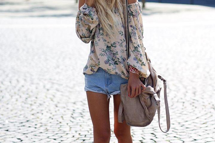 Bloggerin Laura zeigt euch ein Outfit mit ihrem liebsten Sommertrend: der Off-Shoulder Bluse.