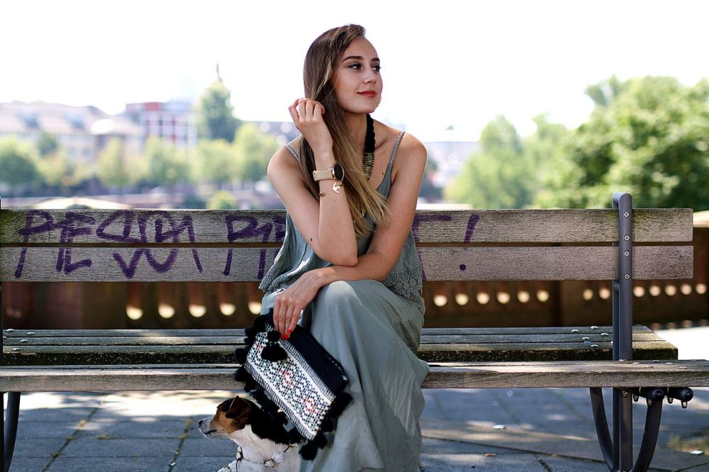 Modeblog-German-Fashion-Blog-Outfit-Maxikleid-Clutch-6