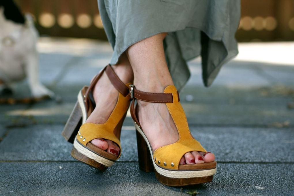 Modeblog-German-Fashion-Blog-Outfit-Maxikleid-Clutch-8