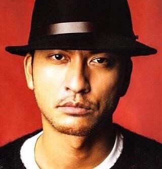 フジテレビ水曜夜10時からのドラマ「フラジャイル」で、白衣を着ない天才病理医役として主役を務めているTOKIOメンバーの長瀬智也さん。