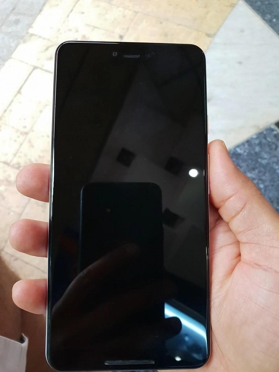 White Google Pixel 3 XL live images - تسريب أول صور حقيقية لجوال Pixel 3 XL تكشف تصميمه
