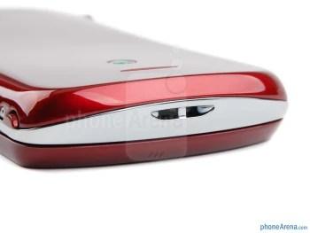 Bottom edge - microHDMI port, camera and volume keys (right) - Sony Ericsson Xperia pro Review