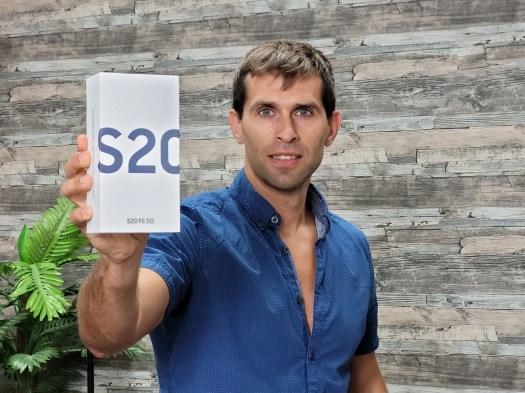 Samsung-Galaxy-S20-FE-Review1-samples.jpg
