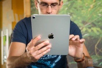 Apple-iPad-Air-2020-Review005.jpg